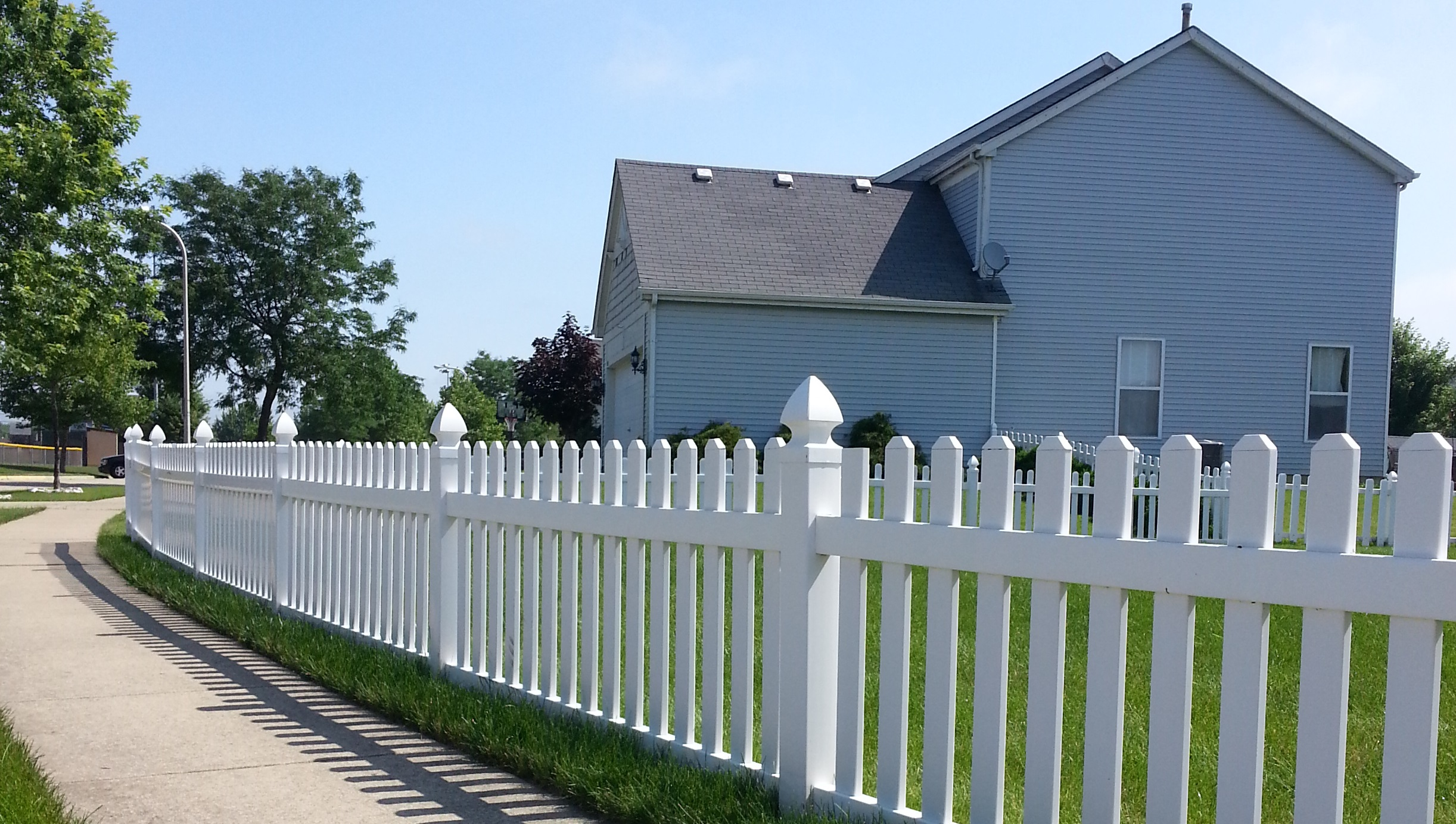 Vinyl fencing south elgin il royal fence but we also provide the most efficient and cost effective installation in the western chicagoland area we offer many different fencing styles to match baanklon Choice Image